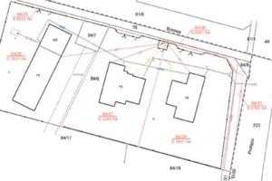 O nakładaniu się procedur raz jeszcze <br /> Fragment mapy podziału z zatwierdzonym przez wójta projektem podziału nieruchomości (działka nr 84/9) na trzy działki budowlane (nr 84/26, 84/27 i 84/28)